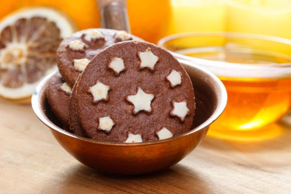 Round chocolate cookies, Image: 185749707, License: Rights-managed, Restrictions: , Model Release: no, Credit line: Profimedia, BEWfood