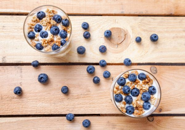 58809489 - nutritious and healthy bio yogurt with blueberries and cereal