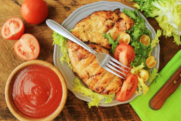 54507217 - grilled chicken breast with vegetables