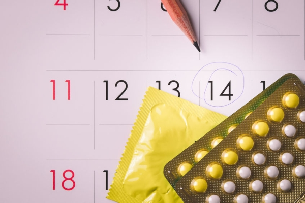 38193034 - birth control pills on calendar (add vignette tone)