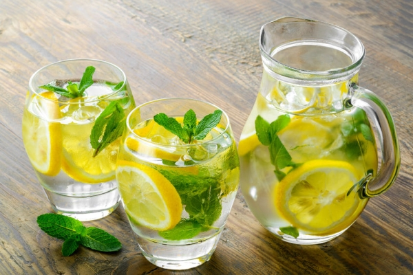 39709471 - fresh water with lemon, mint and cucumber