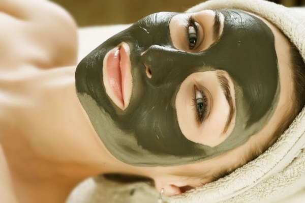 6681339 - spa mud mask on the woman's face