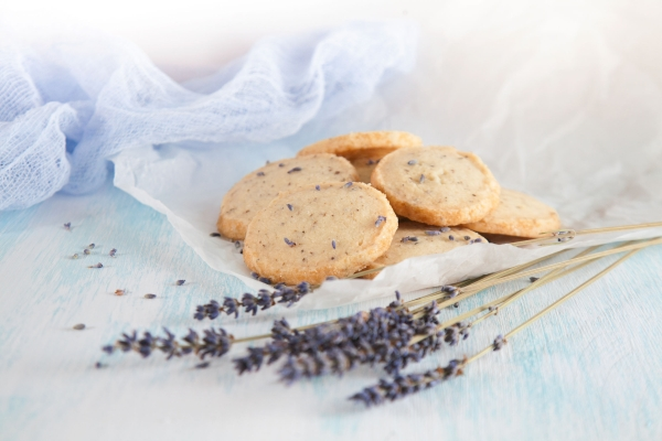 78978979 - aromatic lavender cookies. french cuisine, handmade
