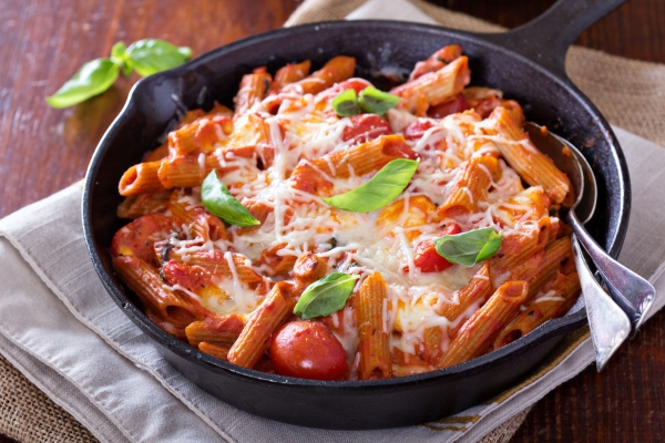 36800484 - pasta bake with penne, tomatoes and mozarella