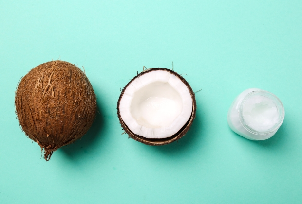 41324806 - drink. coconut on the table
