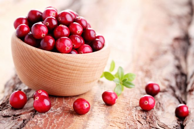 33711087 - fresh and delicious cranberries - fruits and vegetables