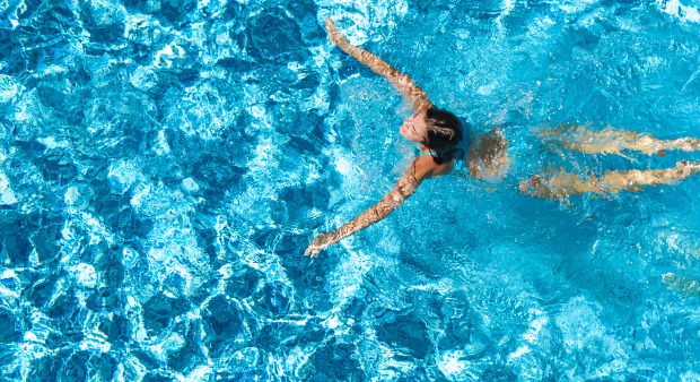 5 úszógyakorlat, ami több kalóriát éget el, mint hinnéd!