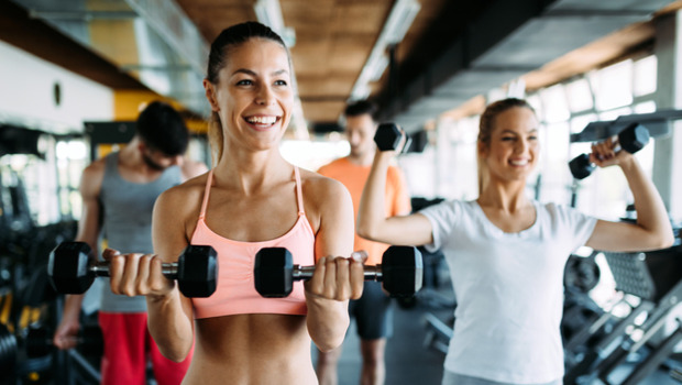 Ezért jobb a csoportos edzés a magányos sportolásnál