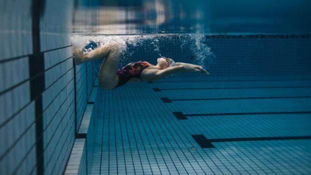 6 úszótrükk, amivel még többet ki tudsz hozni magadból