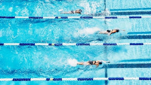 úszás magas vérnyomás miatt
