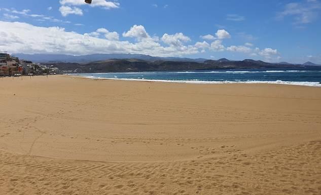 néptelen tengerpart
